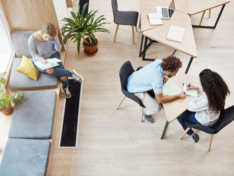 How coworking spaces can take advantage of the hybrid model
